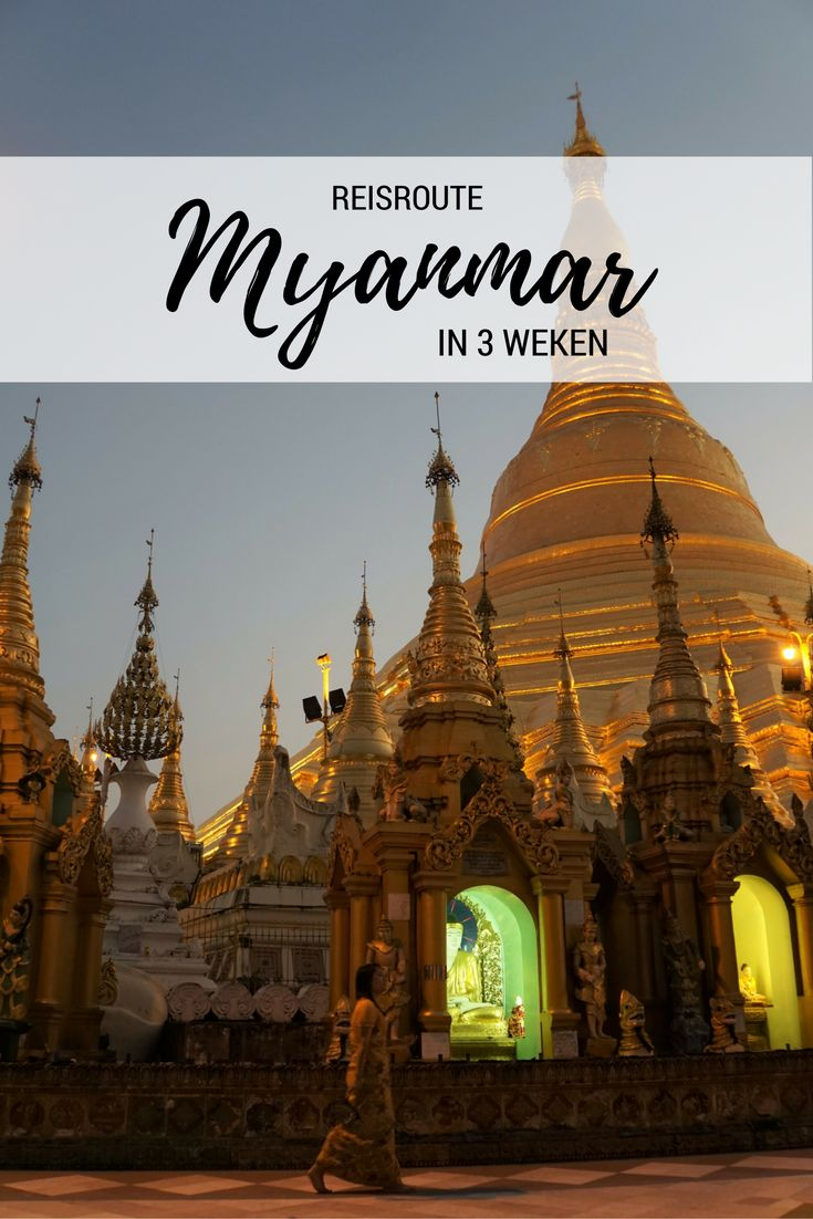 Gouden tempels die blinken in het zonlicht boeddhistische monniken in rode gewaden drukke markten