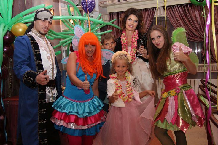 Оформление шарами в заданной тематике - это дерзкие пираты, волшебный сундук, осминожки из шаров разбежавшиеся по стенам, воинственные пиратские корабли, военные штурмовые самолеты, арка с якорем или нежные розовые перламутровые шарики, принцессы из шаров, волшебный замок. И это все Вы сможете найти у нас! тематическое оформление детских праздников в алматы, пиратские шары Алматы, пираты, осминожки, принцесса Алматы, замок Алматы, тропическая тематика, аниматоры