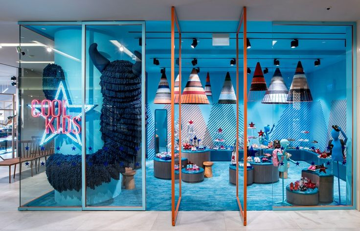 Abraham Chan and Raymond Chan create a bespoke retail environment for shopping destination Pedder on Scotts. Olha Romaniuk has the story.