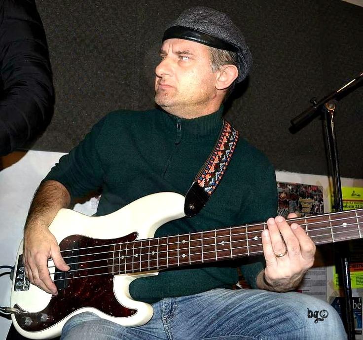 Paolo Parmeggiani in attesa di provare, febbraio 2013. [Foto Barbara Gozzi©]