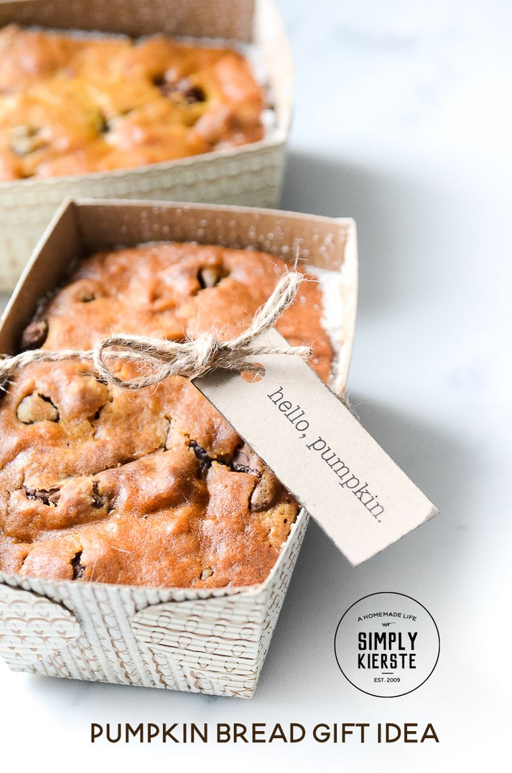 Pumpkin Bread Gift Idea | simply kierste.com - Pumpkin Chocolate Chip Bread is a perfect fall gift idea....and I've got the recipe and a darling printable tag, just for you!