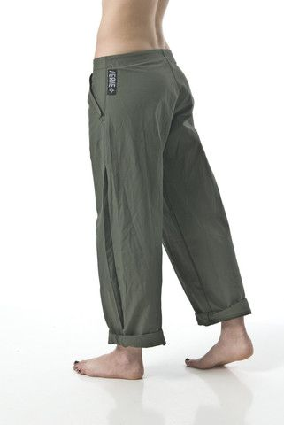 Awesome climbing pants. Can't beat cargo pants. eeeeeeeh                                                                                                                                                                                 Más