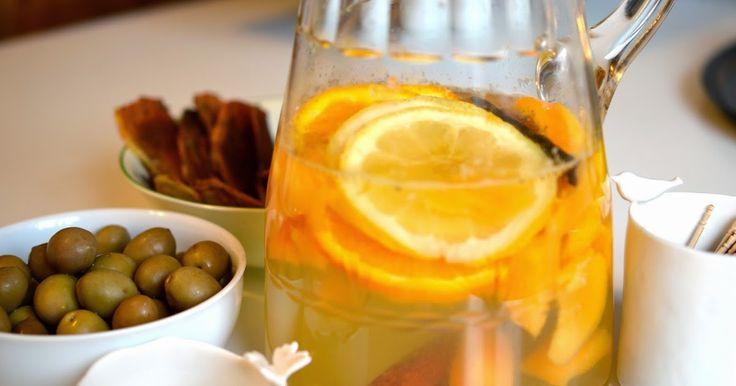 Cucina, semplice, leggera e innovativa, ispirata spesso dall'isola di Pantelleria e da altri viaggi. Sangria bianca
