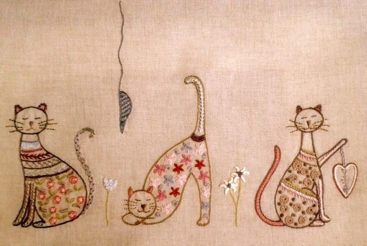 ♒ Enchanting Embroidery ♒ embroidered kitties | pontosemno-sofia.blogspot