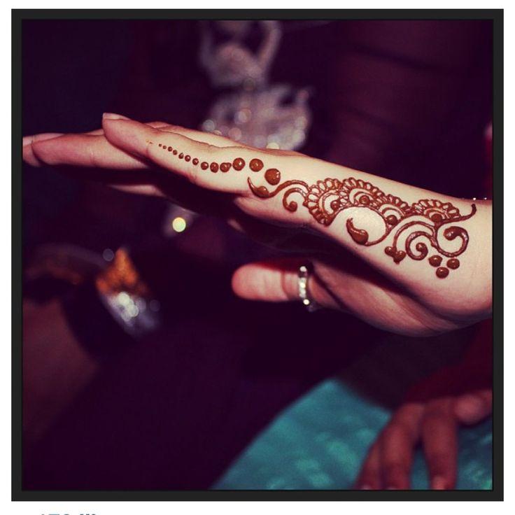 Side of hand, henna design