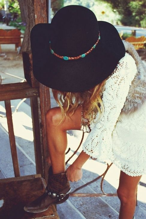 Love the Bohemian look.  Short cowboy boots, big floppy hat, meshy, lacy/clothe material.  http://www.tumblr.com/tagged/boho%20style