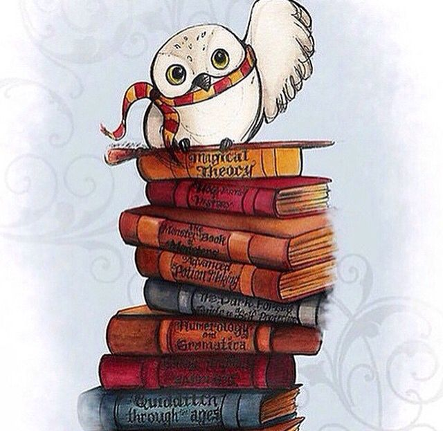Hedwig but flying with a scroll in his claws. I love him ...