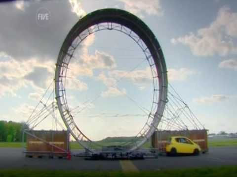 Replicating the clasic Hot Wheels set, Fifth Gear TV attempts to perform a full 360 degree loop in a full size car.
