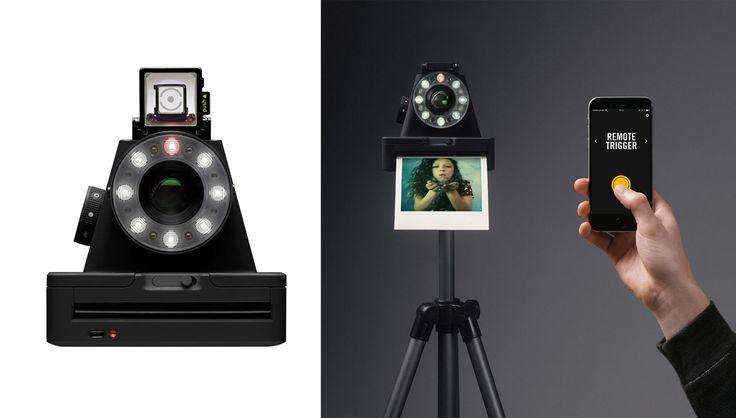 I-1 è la prima fotocamera analogica nuova che utilizza il formato Polaroid dedicata agli appassionati di fotografia istantanea 3.0. Grazie all'app   Bluetooth, si possono provare diverse tecniche creative come il light painting, per direzionare la luce solo nei punti di interesse e la doppia esposizione, di Impossible.