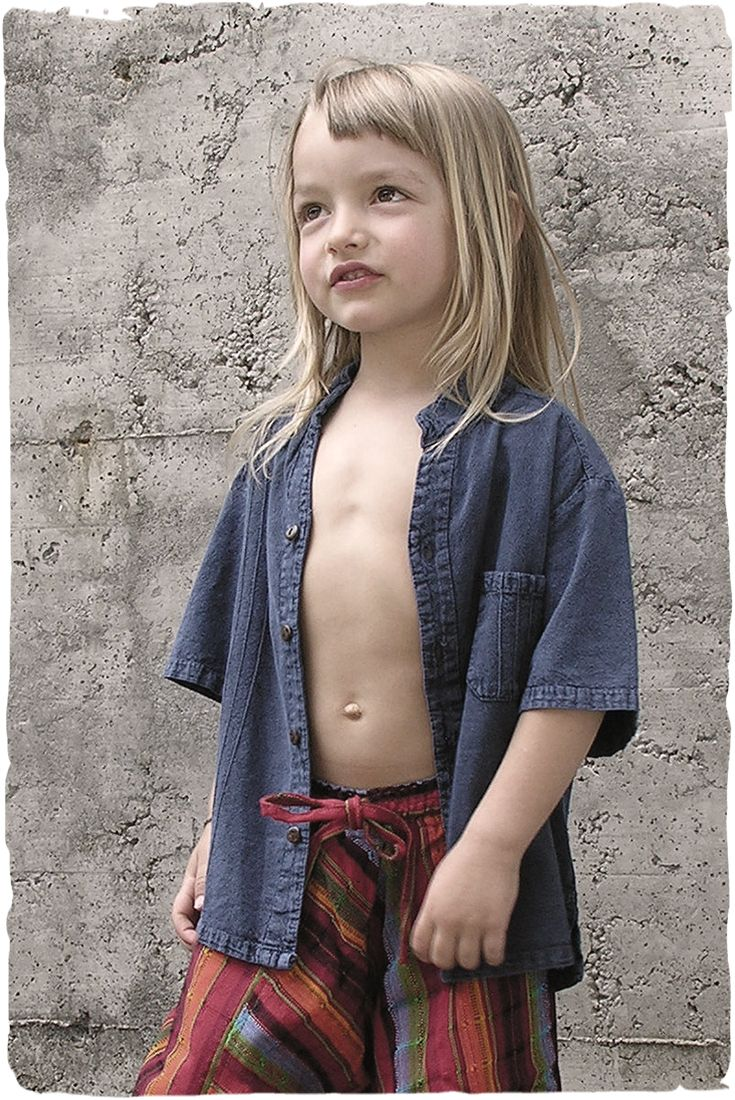 Diego child's shirt #shortsleeves #cotton #shirt with #coconutwood #buttons  #Italianfashion for this model #handmade in #Peru #shirtchildren