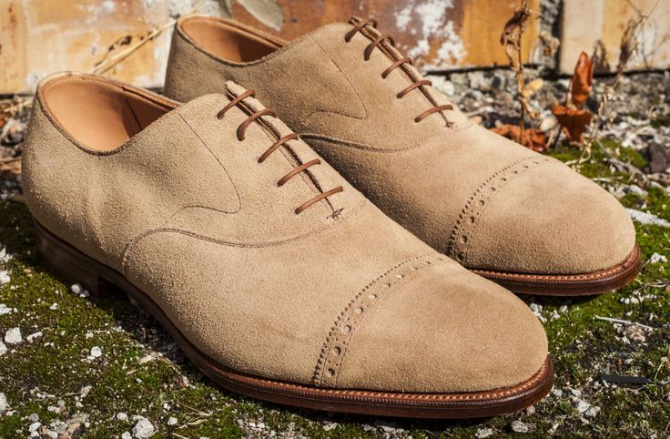 Edward Green is an English shoemaker founded in 1890. Edward Green is based in Northampton, England. The level of handwork involved in production is very high and only around 250 pairs of shoes are completed a week.