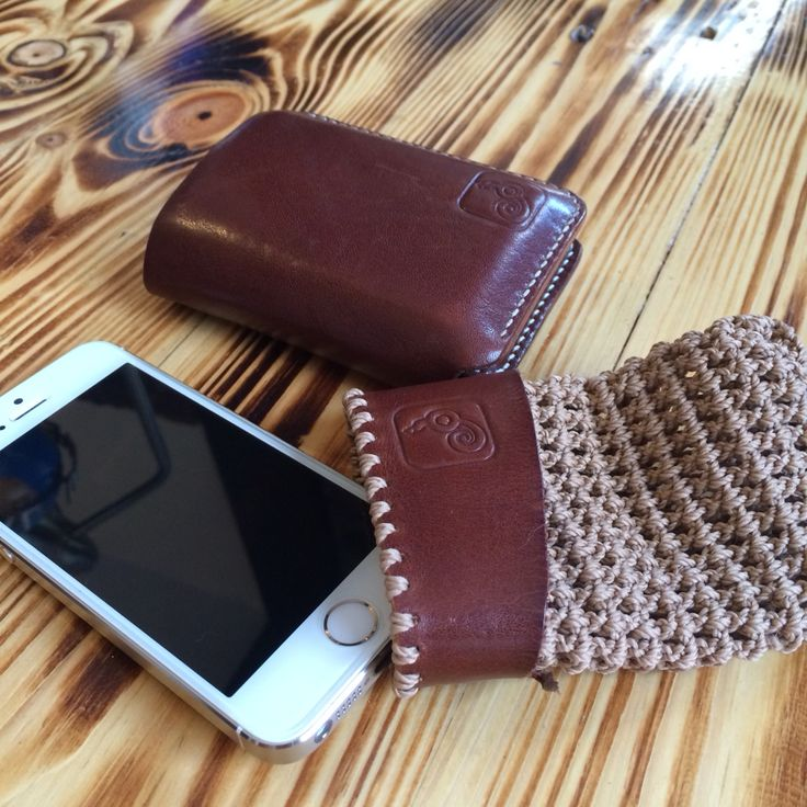 LowyQ small carry a lot wallet and iphone 5s pouch