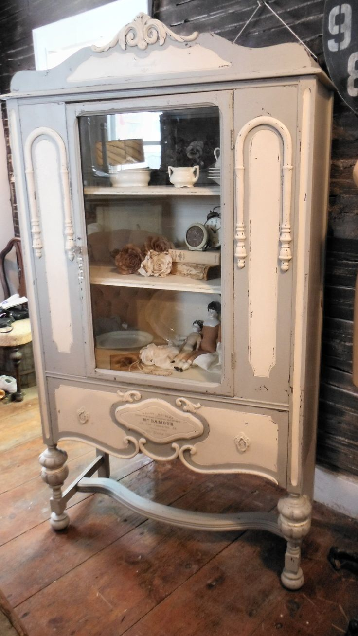 1000 ideas about antique china cabinets on pinterest. Black Bedroom Furniture Sets. Home Design Ideas
