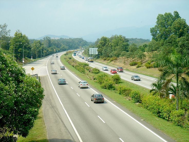 South section of North-South Expressway in Malaysia, facing towards Kuala Lumpur.