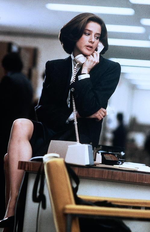 Laura Kelly (Debra Winger). Legal Eagles (1986)