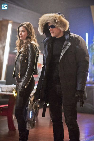 "#TheFlash 1x16 ""Rogue Time"" - Lisa Snart/Golden Glider & Leonard Snart/Captain Cold"