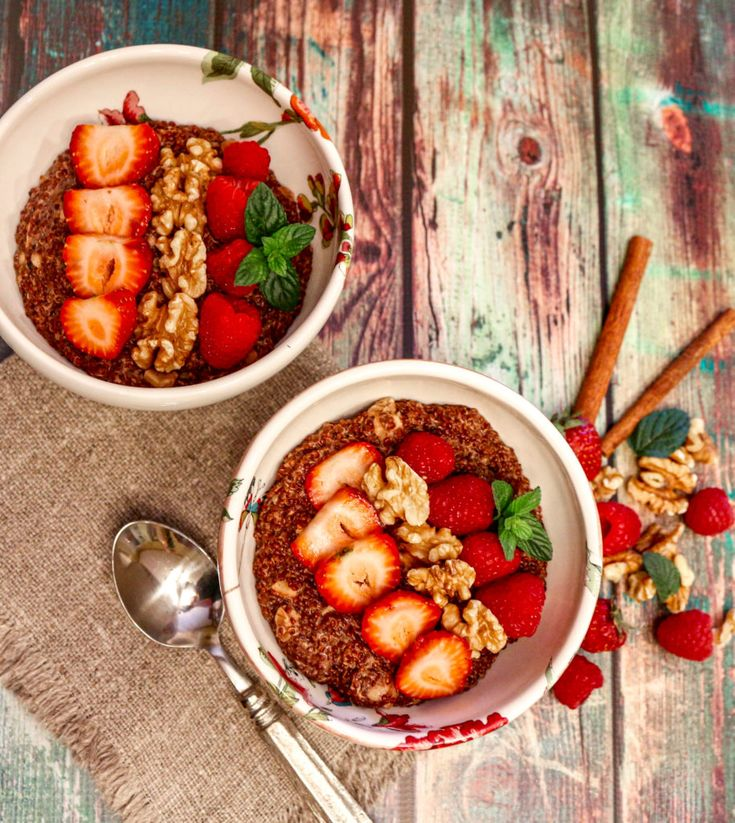 Red Quinoa Berry Breakfast Bowl (Vegan, Gluten-Free) - Sharon Palmer, The Plant Powered Dietitian Healthy Breakfast Recipes, Healthy Recipes, Healthy Food, Breakfast Bowls, Breakfast Ideas, Whole Food Recipes, Cooking Recipes, Diy Food, Food Food