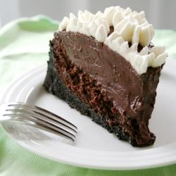 Mississippi Mud Pie - a moist, chocolatey cake layer, a thick and rich pudding layer, and a cookie crust.: Cakes Mixed, Mississippi Mud Pies, Chocolates Cakes, Meatloaf, Cakes Layered, Puddings Layered, Chocolates Desserts, Chocolatey Cakes, Cookies Crusts