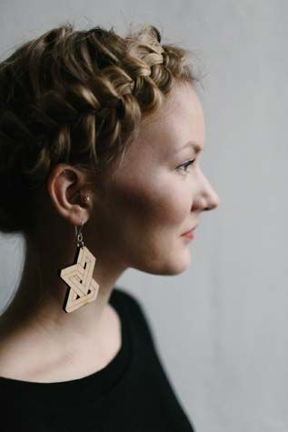 Earrings by KIKE RIGU.   #wooden #earrings #finnishdesign #kikerigu #weecos  www.weecos.com/fi/stores/kikerigu
