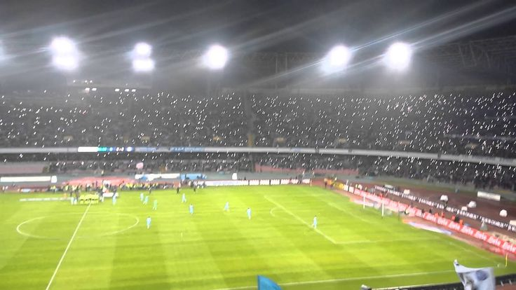 San Paolo homenajea a Pino Daniele