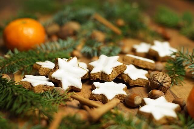 Gasztro-ajándékok karácsonyra: a saját készítésű finomságok ünnepi csomagolásba rejtve kitűnő ajándékok, amiből sugárzik a szeretet https://balkonada.hu/gasztro-ajandekok-karacsonyra/