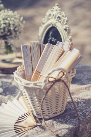Rustic wedding ideas! See more here  http://www.love4weddings.gr/rustic-wedding-decorations/  #rusticwedding  #gamos  #theglassslipper
