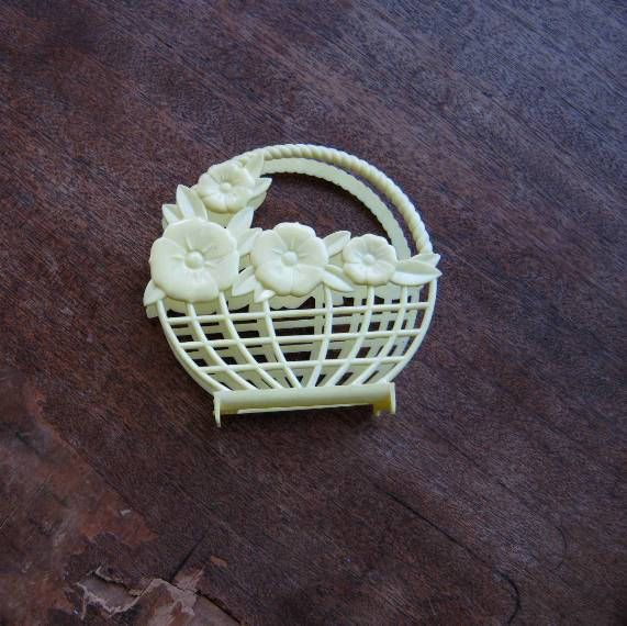 Cute Midcentury Yellow Plastic Napkin Holder; Flower/Lattice Mold~Picnic/Barbecue/Yellow Kitchen by MintysMercantile on Etsy
