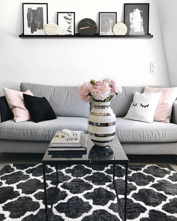 Kuschelzeit mit dem trendigen Sleepy Eye Kissen! // Wohnzimmer Kissenbezug Weiß …   – Wohnzimmer | Westwing