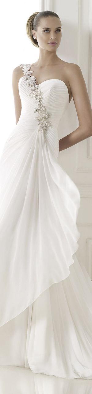 Luxury and bridal fashion - pretty bride in elegant white wedding gown - win her heart and love with #thejewelryhut bridal diamonds jewelry gift love thst she will treasure forever