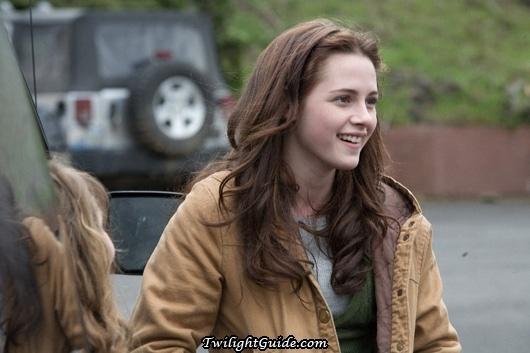 (Kristen Stewart) as Bella Swan in the Twilight movie series