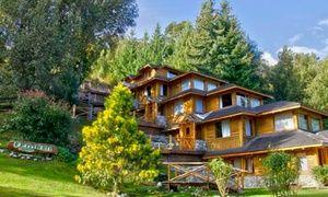 Groupon - Villa La Angostura: desde $ 1599 por 2, 3, 4, 5 o 7 noches para dos + desayunos + spa en Cabañas Peniwen en Cabañas Peniwen. Precio de la oferta Groupon: $1.599