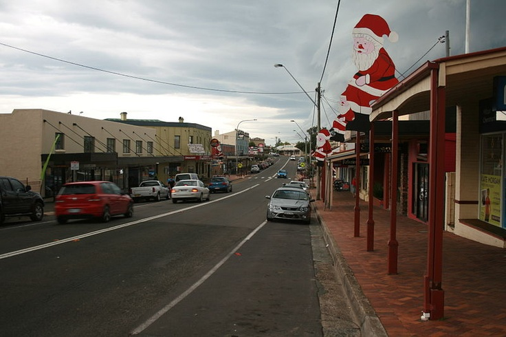 Xmas display in Milton NSW with Pacific Highway passing through town.JPG - Wikipedia, the free encyclopedia