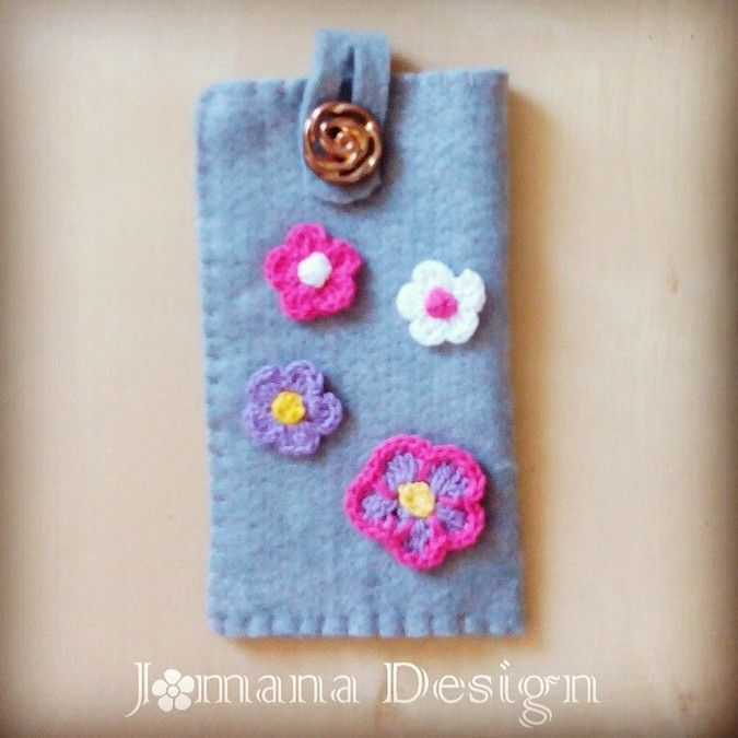 Felt and crochet mobile phone cover ie € 19,95