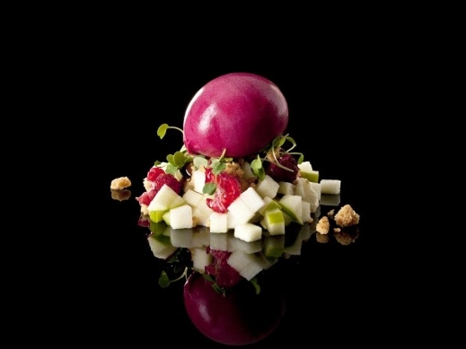 31% white chocolate cream Apple Granny Smith Almond crumble Micro arugula Balsamic vinegar reduccion Wild strawberry Raspberry Beetroot sorbet