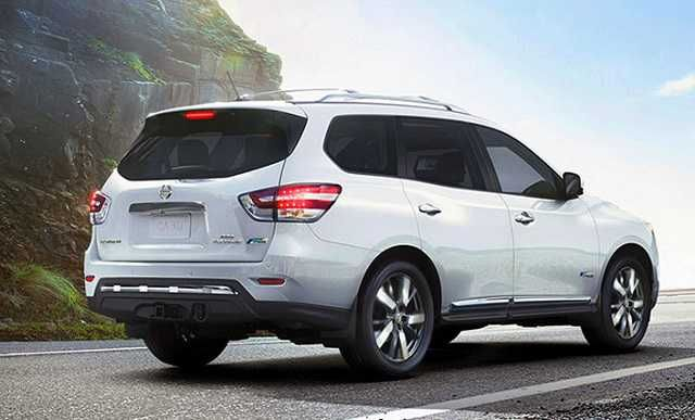 2017 Nissan Pathfinder Review - http://www.autowheelerhq.com/2017-nissan-pathfinder-review/