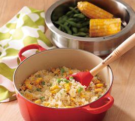 【とうもろこしと枝豆のバターしょうゆご飯】鍋とスチーマーで同時に調理ができるアイディアレシピ。野菜の食感が楽しい、バターしょうゆ風味のカラフル混ぜご飯です。 http://lecreuset.jp/community/recipe/buttersoysauce_rice/