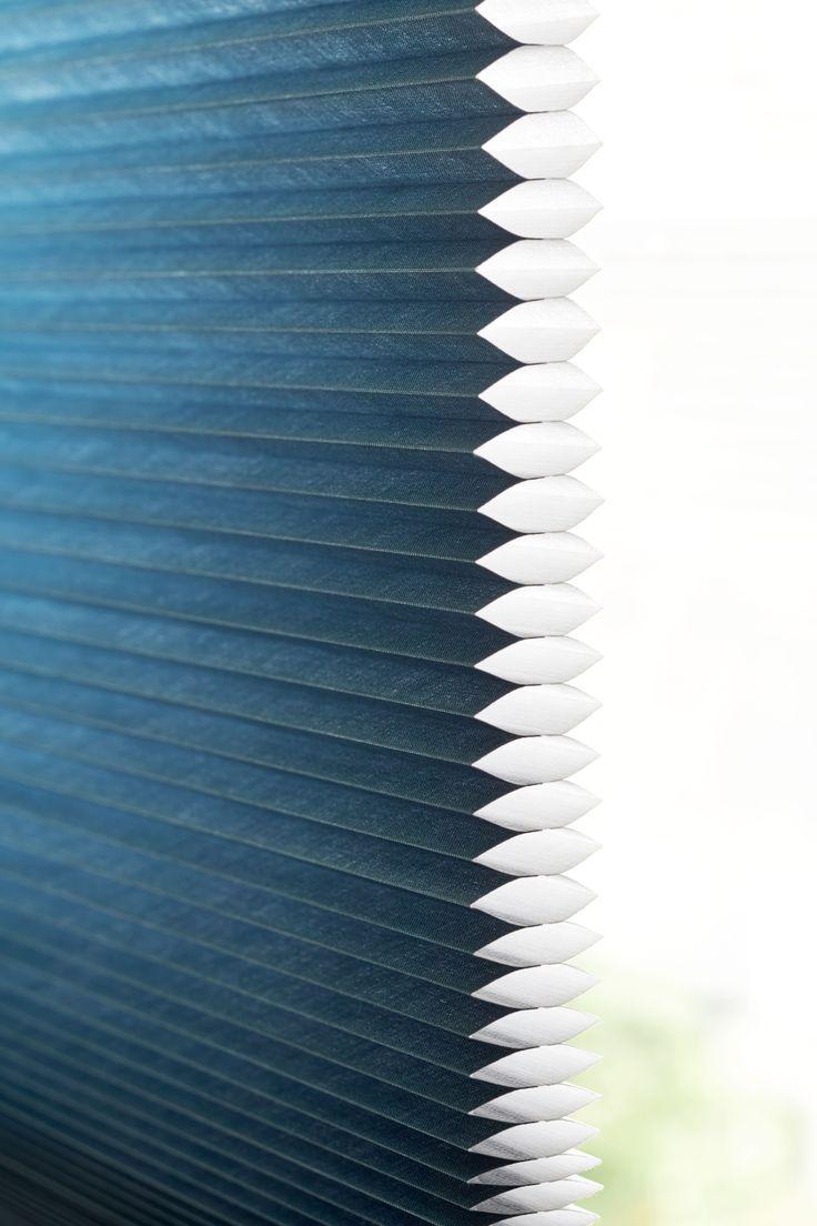 Blauw dupligordijn van bece #raamdecoratie #blue #wonen #inspiratie www.bece.nl