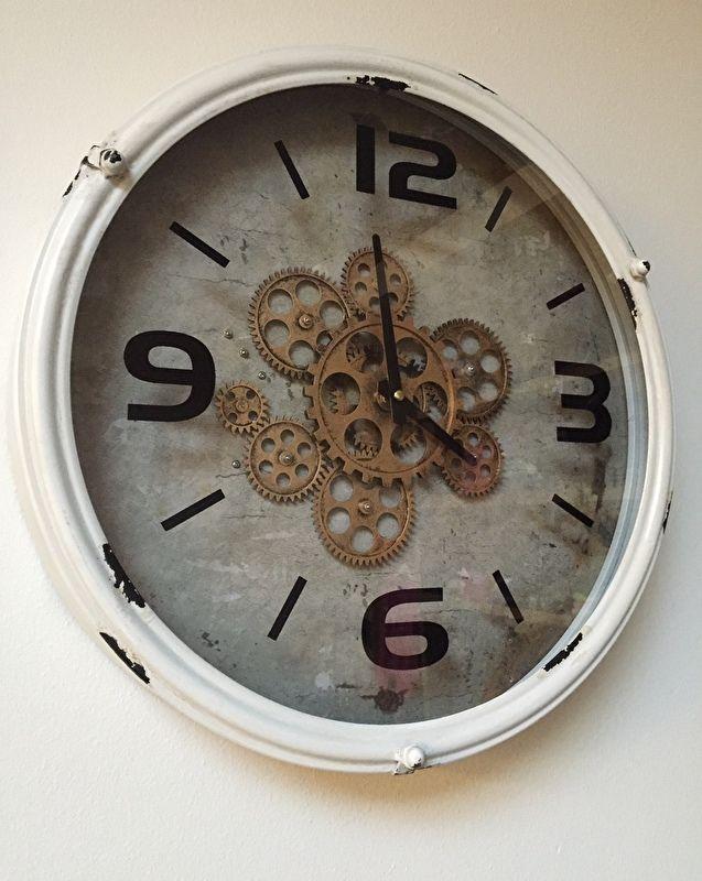 industriele klok met tandwielen   * Klokken   zuzz en Zo wonen