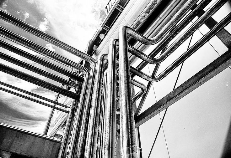 #industrial #metal #steelpipes #minimalism #monochromatic #blackandwhite #constructive #noirbliss #lightreflections #manufacturing #pressurised #galvanised #pipes #monoart #blackandwhite #monochrome #instablackandwhite #bw_lover #igersbnw #lensflare #monotone