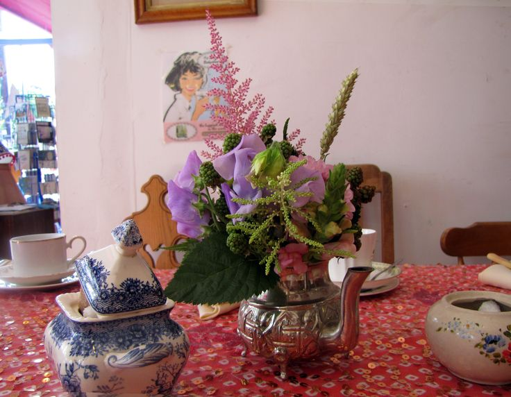 Sweetpea, Astilbe, Wheat and Snapdragon in a Moroccan tea pot