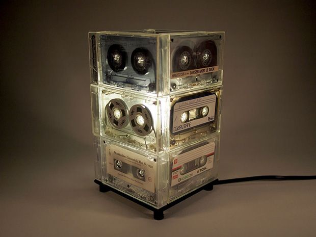 1000 images about upcycling cassettes and vhs on pinterest videos notebooks and pencil holders. Black Bedroom Furniture Sets. Home Design Ideas