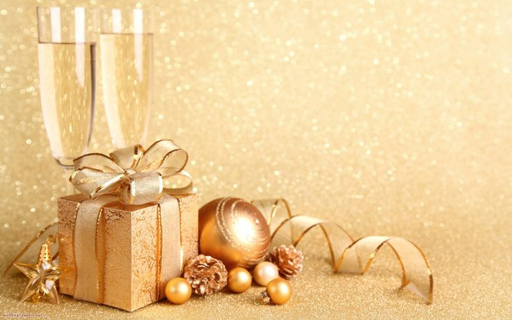 Luxury Christmas Gifts for Travellers - Luxury Holiday Houses blog