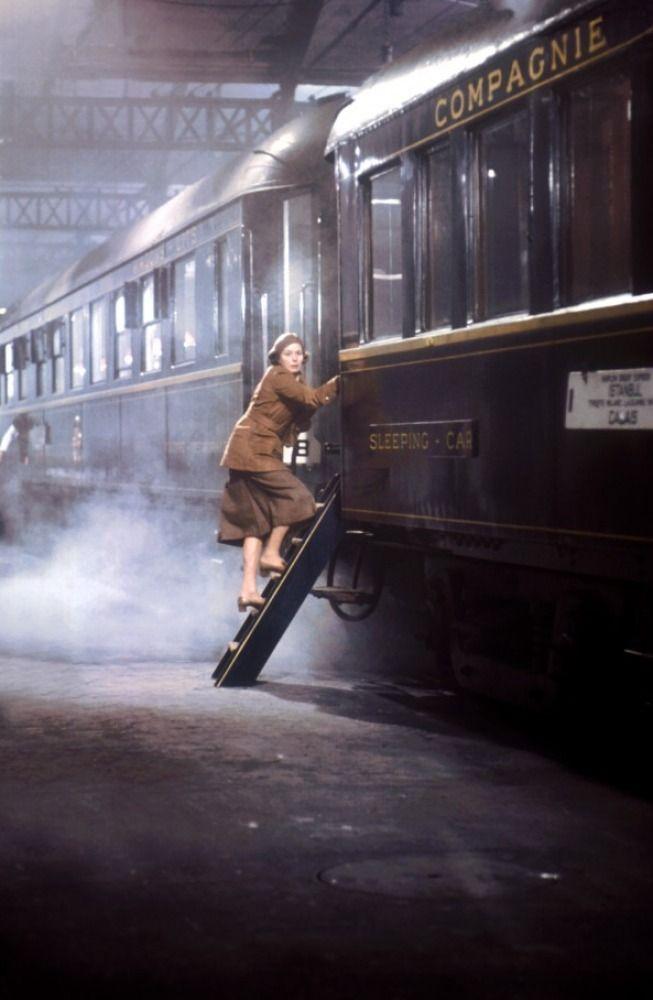 Le Crime de l'Orient-Express - Let me on, I'm being followed!!!!