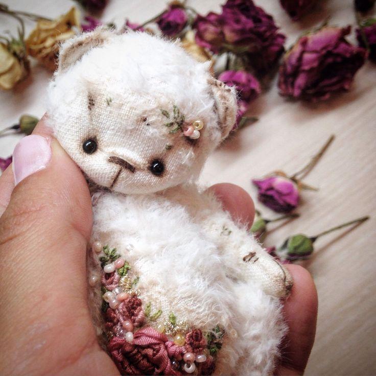 Купить Вышитая девочка - суглобова татьяна, мишка, мишка тедди, тедди, вышивка, вискоза 100%