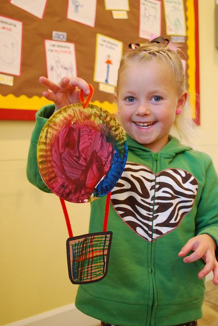 hot air balloon craft - preschool?? - could take each child's picture and place them in the hot air balloon.