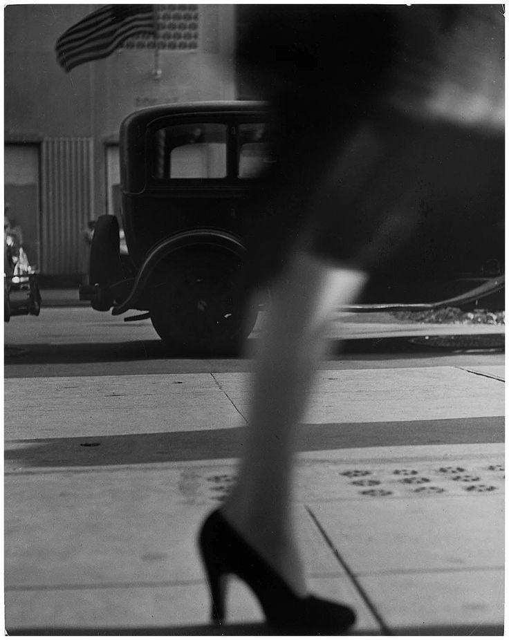lisette-model-e28093-running-legs-new-york-1941.jpg (1287×1620)