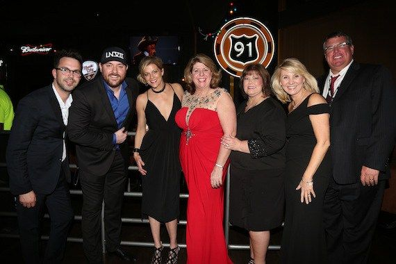 Huskins-Harris Business Management, Chris Young's Lucky Number SE7EN Clothing, Franklin Synergy Bank [...]