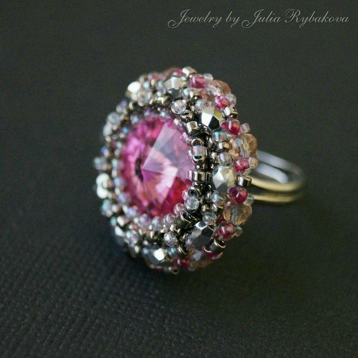 "Купить Кольцо с кристаллом Swarovski ""Розовый сад"" - кольцо, колечко, розовый, серый, серебристый beaded ring, ring, beadwork, pink ring"