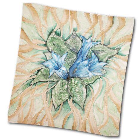 Maľovaná hodvábna šatka HOREC, motivovaná horskou rastlinou. Máloktorá rastlina v nás vyvolá väčší pocit horkosti ako horec - nemusíme ho ani ochutnať, stačí vysloviť jeho meno. Horec Patrí medzi prastaré liečivé drogy. Ľudia ho využívali už v staroveku. http://bit.ly/1nvNUL4