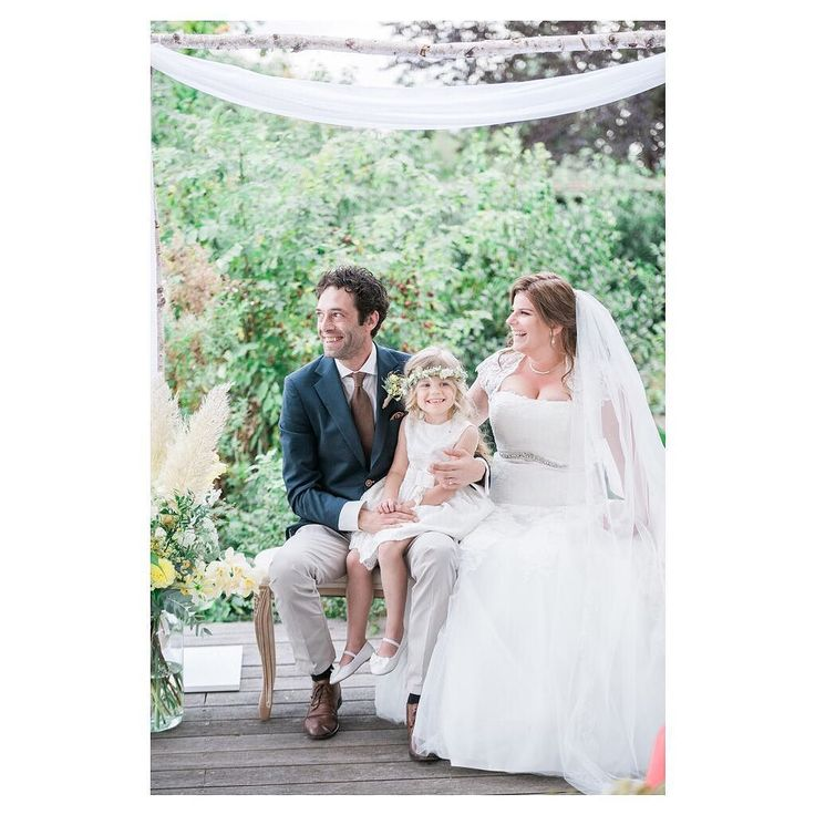 A beautiful ceremony that is fun for everyone as created by the awesome @joannetrouwt ceremonial speaker (known as BABS or Buitengewoon Ambtenaar van de Burgerlijke Stand for the Dutch ) Planning and styling: Wedding on track | @weddingontrack  Planning cakes and sweets: Torta Deliziosa | @tortadeliziosa  Floral design: Gift by Nature | @giftbynature  Hair and makeup: Urmila Singh - The Bridal Artist | @urmila_singh_thebridalartist  Wedding dress: La Nova | @la.nova.bruidsmode  Suit: Tailor…